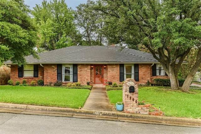 1906 Briarcrest Lane, Arlington, TX 76012 (MLS #14623042) :: Real Estate By Design