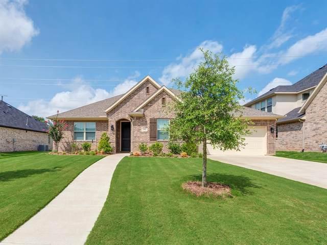 2817 Sandstone Drive, Hurst, TX 76054 (MLS #14623055) :: Real Estate By Design