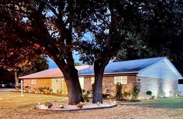 901 W Union Street, Jacksboro, TX 76458 (MLS #14623617) :: Wood Real Estate Group