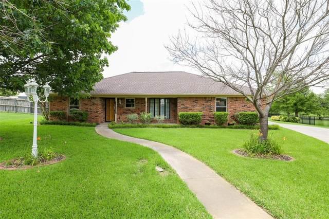 911 Clearview Street, Krum, TX 76249 (MLS #14623675) :: The Mauelshagen Group