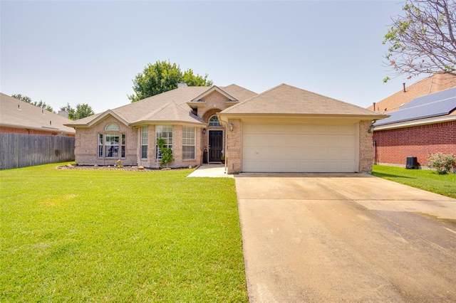 1013 Kingsley Drive, Saginaw, TX 76179 (MLS #14624242) :: 1st Choice Realty