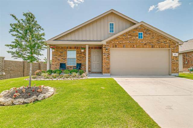 201 Blue Crow Lane, Fort Worth, TX 76052 (MLS #14624278) :: Real Estate By Design