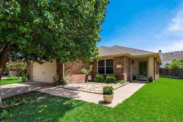 10728 Irish Glen Trail, Fort Worth, TX 76052 (MLS #14624289) :: Rafter H Realty