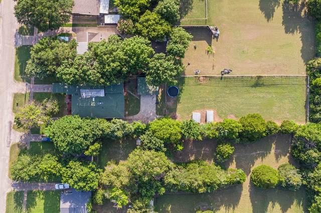 561 W 6th Street, Lancaster, TX 75146 (MLS #14624480) :: NewHomePrograms.com