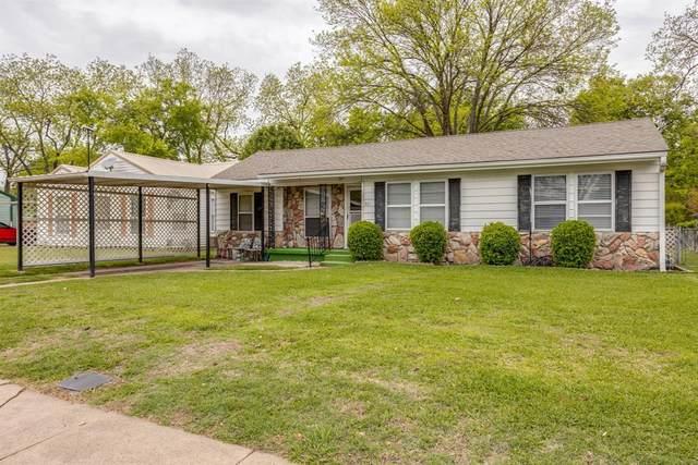 221 E Boyd Street, Bonham, TX 75418 (MLS #14624915) :: Wood Real Estate Group