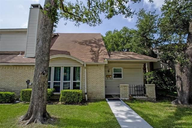 2008 Clubridge Drive, Carrollton, TX 75006 (MLS #14625044) :: Real Estate By Design
