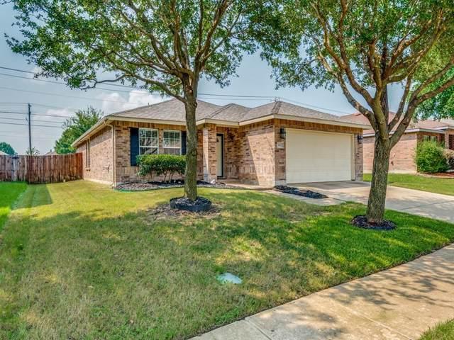 802 Harris Ridge Drive, Arlington, TX 76002 (MLS #14625286) :: Real Estate By Design