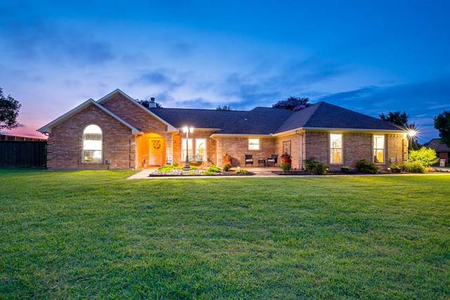 10072 Manor Way, Forney, TX 75126 (MLS #14625324) :: The Mauelshagen Group
