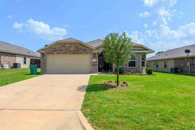 309 Candlewood Circle, Gainesville, TX 76240 (MLS #14625408) :: The Great Home Team