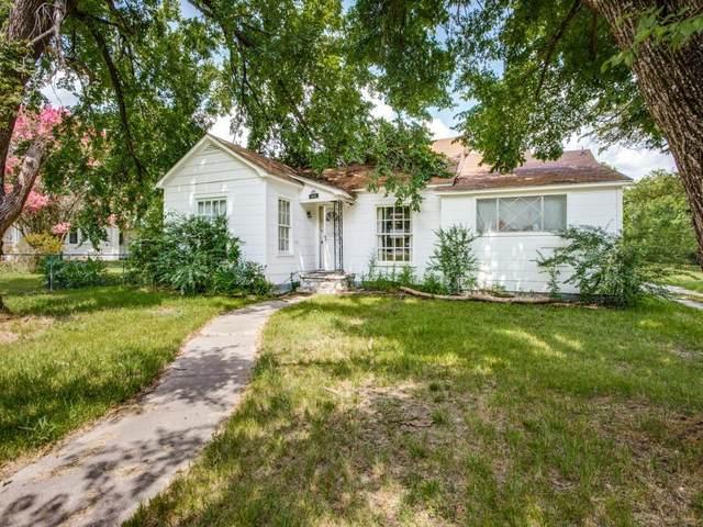 1316 Cedar Street, Bonham, TX 75418 (MLS #14625465) :: The Chad Smith Team