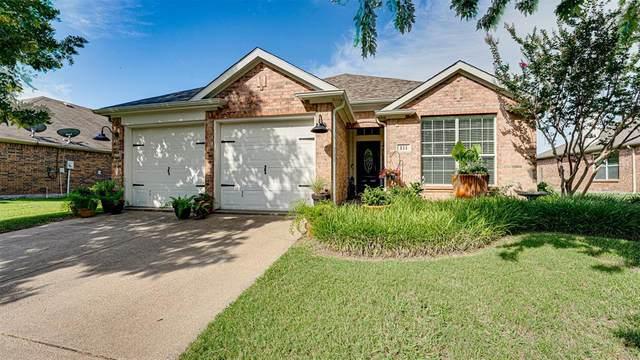 111 Fallen Rock Drive, Waxahachie, TX 75165 (MLS #14625563) :: The Krissy Mireles Team