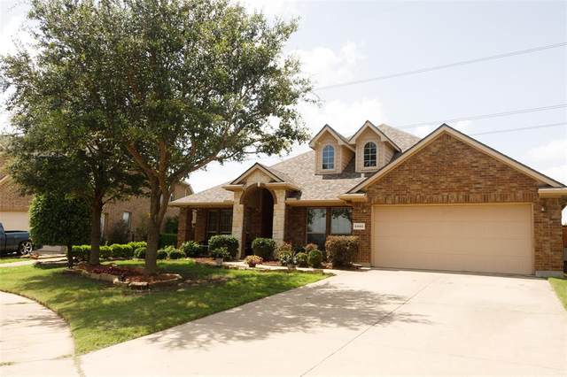 5960 Summerwood Drive, Grand Prairie, TX 75052 (MLS #14625615) :: The Mauelshagen Group