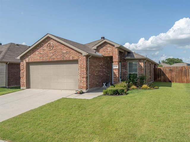 1113 Cheyenne Drive, Aubrey, TX 76227 (MLS #14625815) :: Maegan Brest | Keller Williams Realty