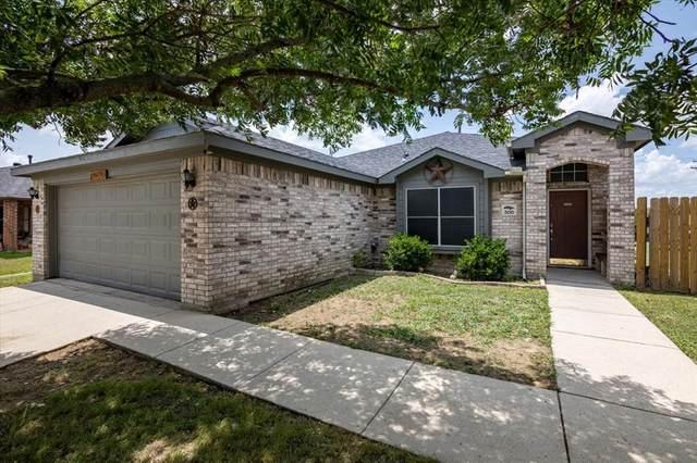 200 Oaklawn Drive, Ponder, TX 76259 (MLS #14625932) :: The Krissy Mireles Team