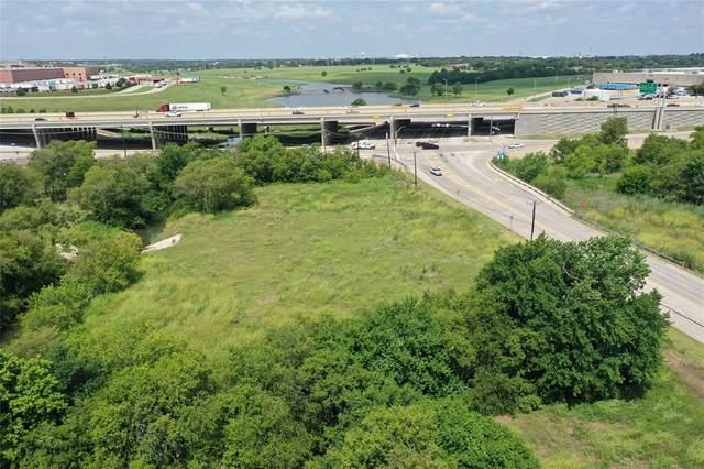 910 W Dickey Road, Grand Prairie, TX 75051 (MLS #14625938) :: Real Estate By Design