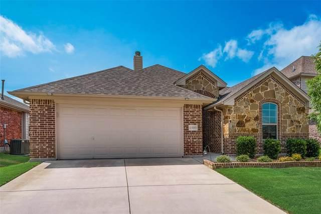 6909 Canyon Rim Drive, Fort Worth, TX 76179 (MLS #14625948) :: The Mauelshagen Group