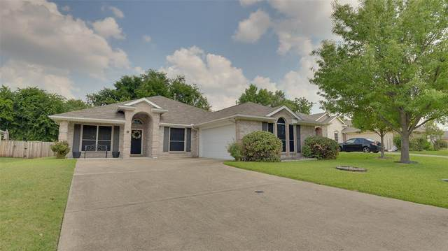 2810 Beacon Hill Drive, Rockwall, TX 75087 (MLS #14626136) :: Real Estate By Design