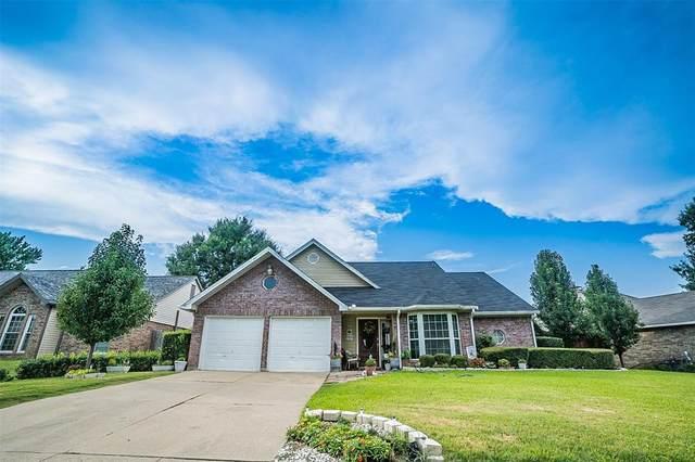 2808 Sommerset Drive, Grand Prairie, TX 75052 (MLS #14626340) :: The Krissy Mireles Team