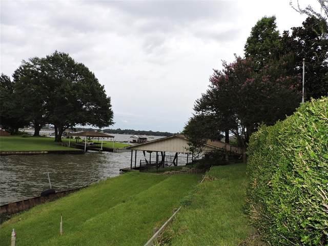 207 Lake Front Drive, Mabank, TX 75156 (MLS #14626344) :: Wood Real Estate Group