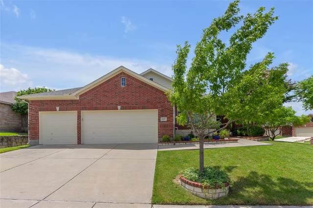 800 Lone Pine Drive, Little Elm, TX 75068 (MLS #14626377) :: The Daniel Team