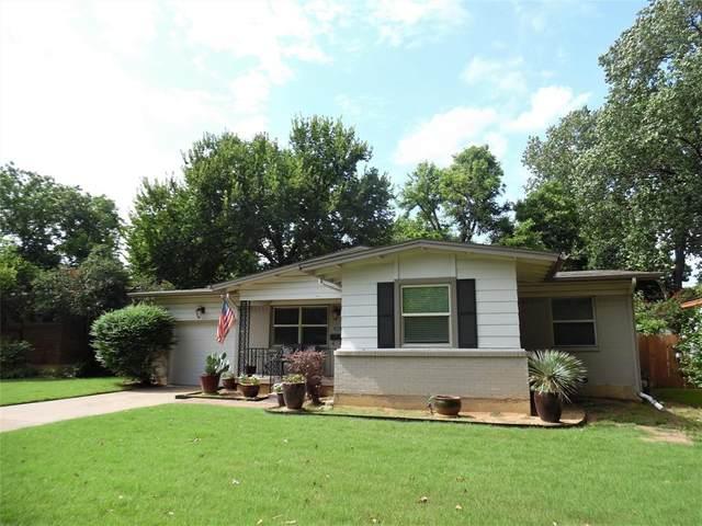 1513 Juanita Drive, Arlington, TX 76013 (MLS #14626672) :: The Krissy Mireles Team