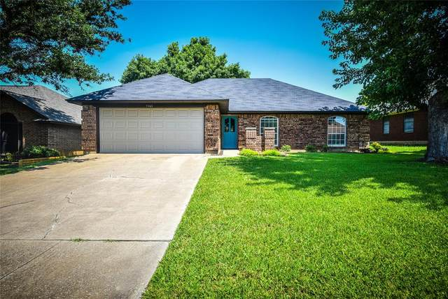 7521 Dana Lane, North Richland Hills, TX 76182 (MLS #14626827) :: The Mauelshagen Group