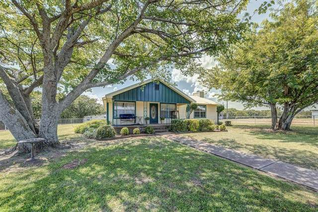 233 County Road 1745, Chico, TX 76431 (MLS #14626843) :: All Cities USA Realty