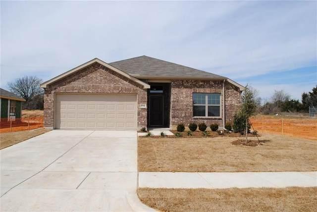 334 Highmeadow Road, Aubrey, TX 76227 (MLS #14627009) :: The Kimberly Davis Group