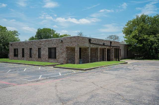 1300 N Anglin Street, Cleburne, TX 76031 (MLS #14627020) :: The Russell-Rose Team