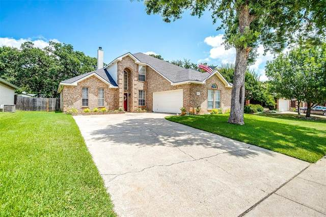 525 Oakbrook Drive, Burleson, TX 76028 (MLS #14627139) :: 1st Choice Realty