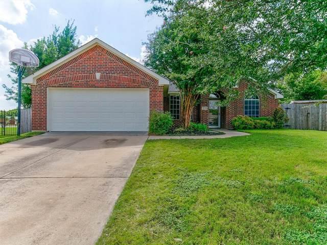 2830 Oakdale Drive, Burleson, TX 76028 (MLS #14627376) :: The Daniel Team