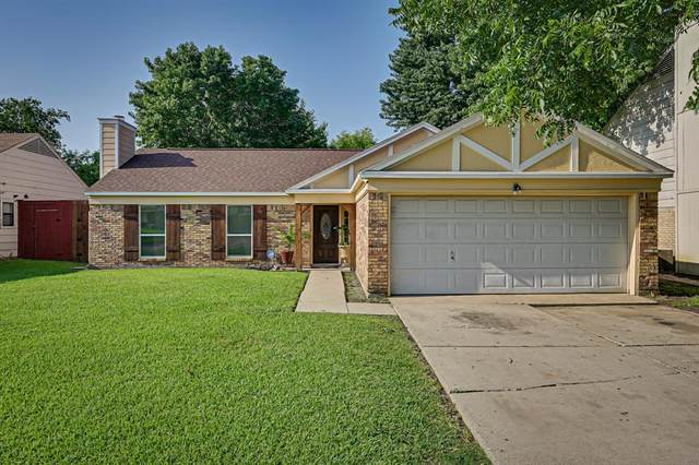 1706 Country Lane, Arlington, TX 76018 (MLS #14627721) :: The Mauelshagen Group