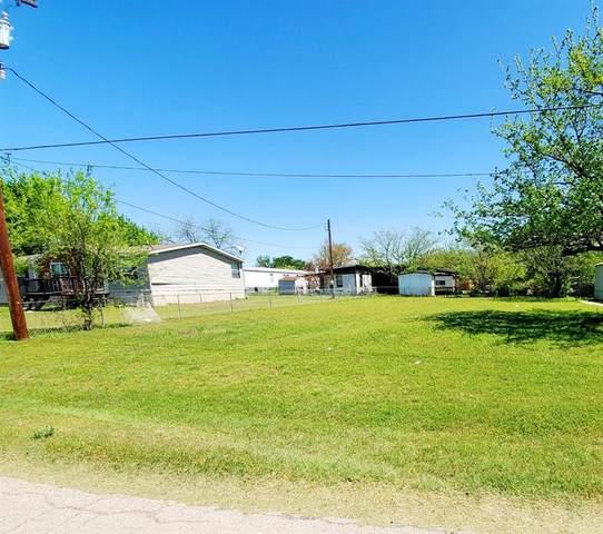 423 Skylark Drive, Granbury, TX 76049 (MLS #14627780) :: Team Tiller