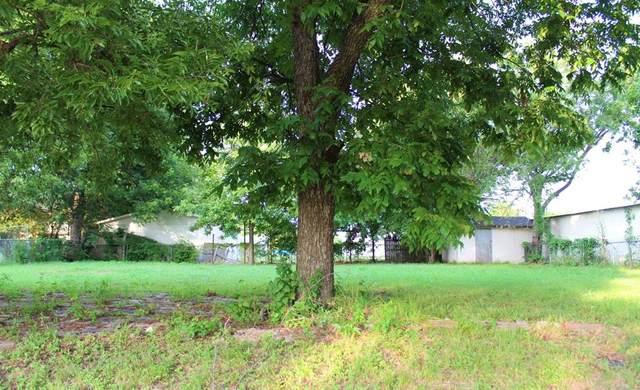 1102 Hillsboro Street, Cleburne, TX 76033 (MLS #14627809) :: Real Estate By Design
