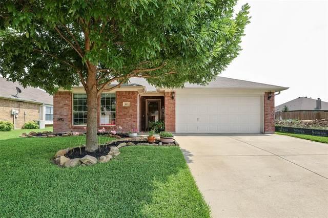 621 Mcneill Lane, Saginaw, TX 76179 (MLS #14627866) :: Real Estate By Design