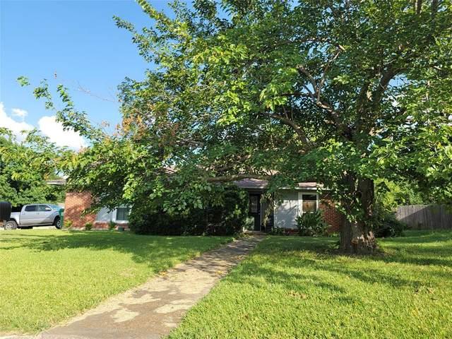 616 Neptune Drive, Denton, TX 76209 (MLS #14628425) :: Real Estate By Design