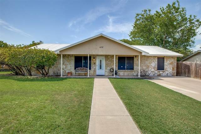 1432 W Torrey Street, Granbury, TX 76048 (MLS #14628580) :: The Mauelshagen Group