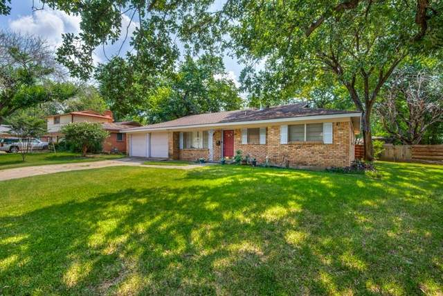 815 Clebud Drive, Euless, TX 76040 (MLS #14628729) :: Wood Real Estate Group