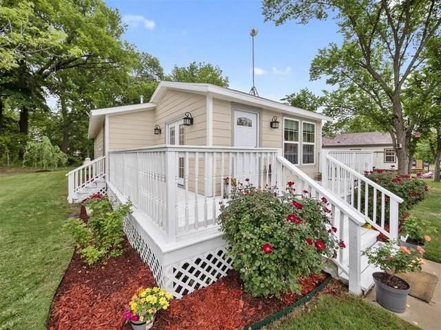 328 Spring Valley Circle, Azle, TX 76020 (MLS #14629072) :: Real Estate By Design