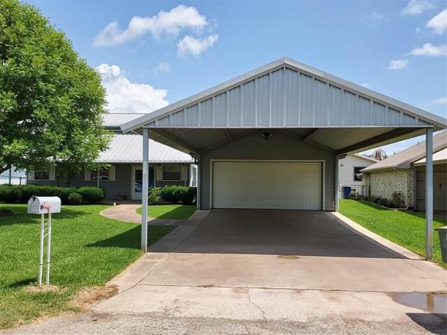411 Sky Harbour Court, Granbury, TX 76049 (MLS #14629354) :: The Kimberly Davis Group