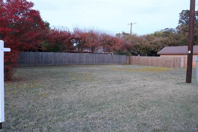 452 Plainview Drive, Hurst, TX 76054 (MLS #14629371) :: Jones-Papadopoulos & Co