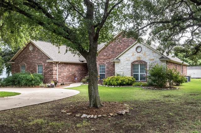106 Bay Roc Lane, Runaway Bay, TX 76426 (MLS #14629404) :: Rafter H Realty