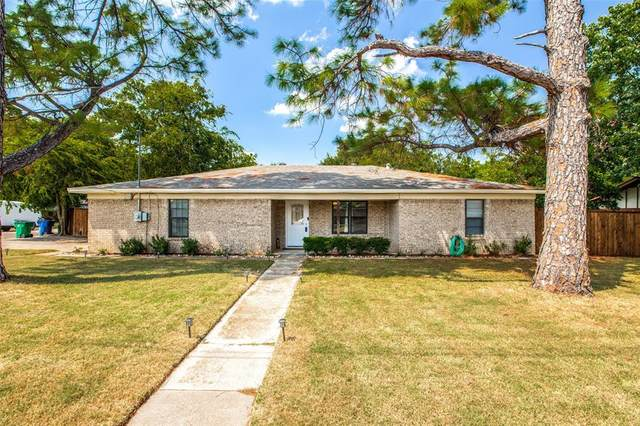 700 E Roewe Street, Pilot Point, TX 76258 (MLS #14629623) :: Russell Realty Group