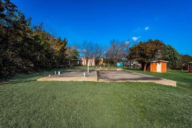 2206 Beverly Drive, Granbury, TX 76048 (MLS #14629916) :: The Chad Smith Team