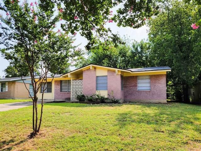1823 Appletree Lane, Carrollton, TX 75006 (MLS #14630077) :: Real Estate By Design