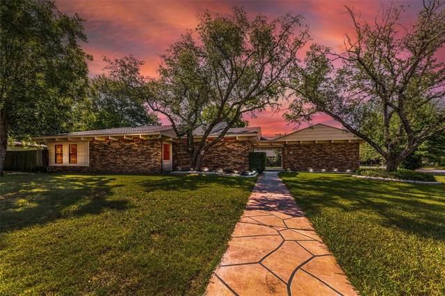 1243 Hilltop Drive, Cleburne, TX 76033 (MLS #14630085) :: The Mauelshagen Group