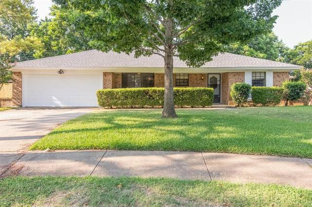 2405 Westpark Way Circle, Euless, TX 76040 (MLS #14630796) :: 1st Choice Realty