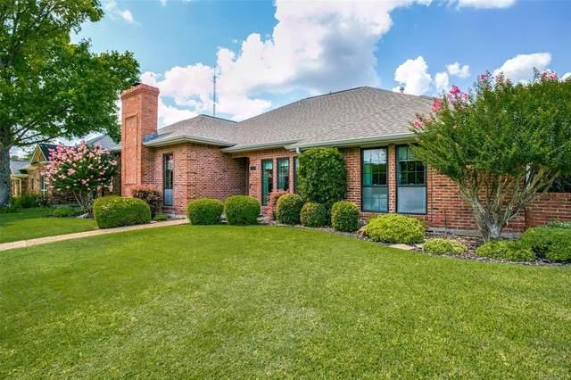 1038 Magnolia Drive, Carrollton, TX 75007 (MLS #14630897) :: Real Estate By Design
