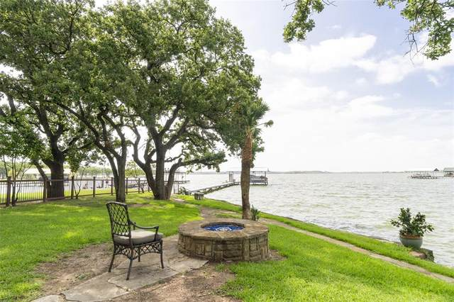 6605 Sandy Beach Road, Azle, TX 76020 (#14631142) :: Homes By Lainie Real Estate Group