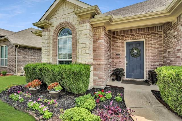 7404 Gairlock Drive, Fort Worth, TX 76179 (MLS #14631306) :: Real Estate By Design